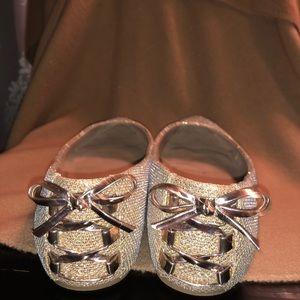 Mix No. 6 Shoes - Adorable gold flats!